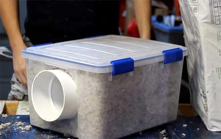 Construire soi même en moins de 30 mm un abri pour protéger les chats  errants du froid.