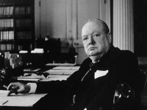 Nelson met Winston Churchill à genoux....